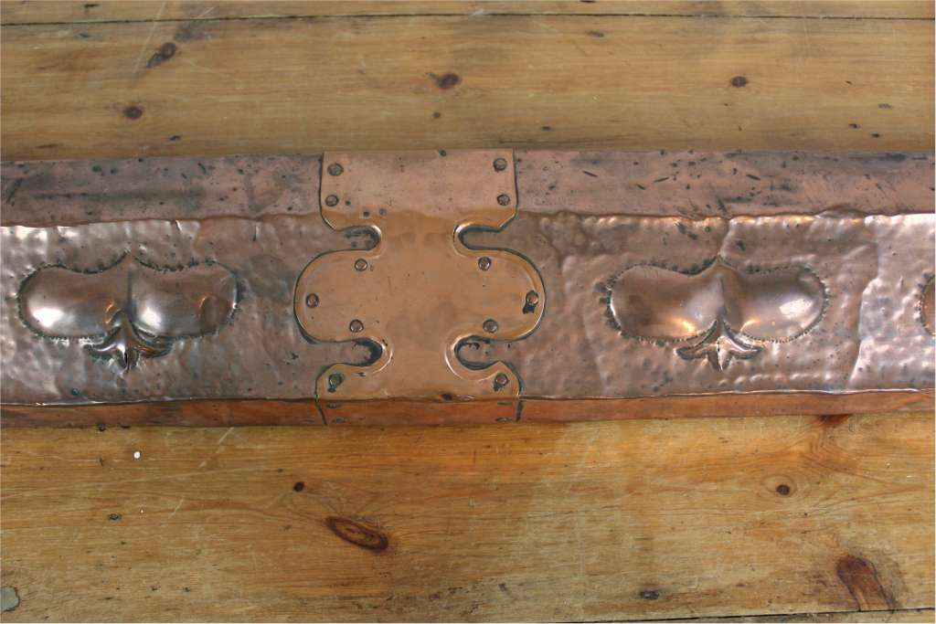 Copper arts and crafts fender with raised hearts