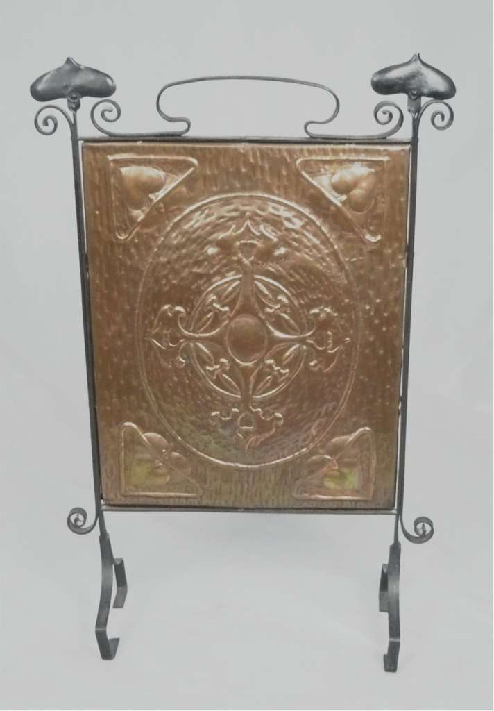 Arts and crafts fireguard in copper and iron