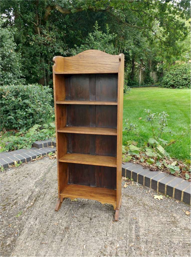 small arts and crafts bookcase in oak