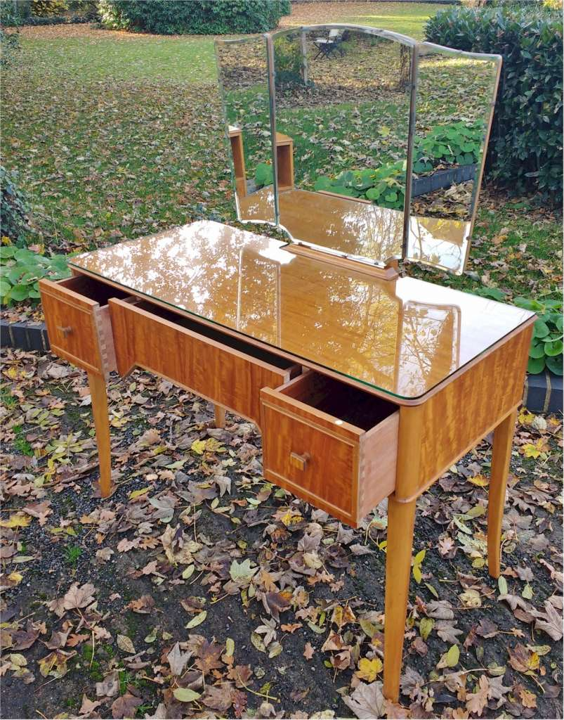 Heal & Son Mid Century dressing table in Peroba wood