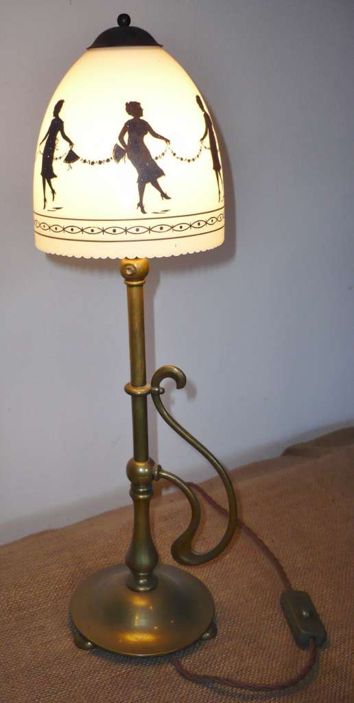 Arts and crafts table lamp with hand painted shade