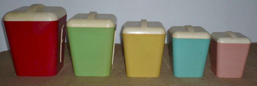 Set of 5 stylized 1950's kitchen containers