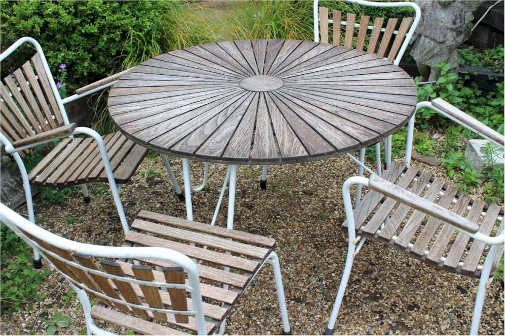 Mid-Century teak and metal garden set Daneline.