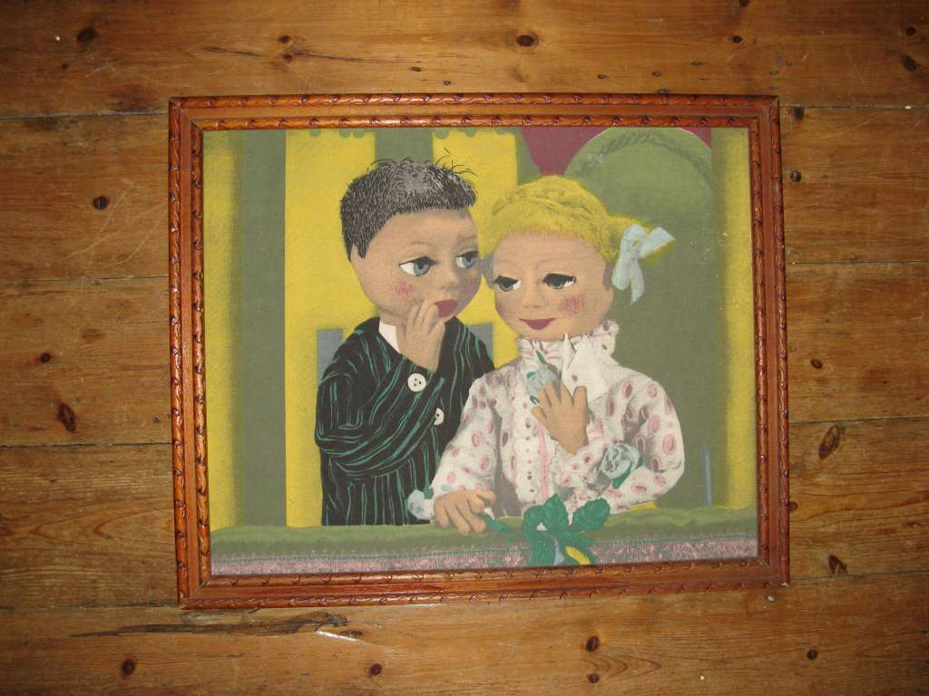 Fun picture of married puppet couple screenprint