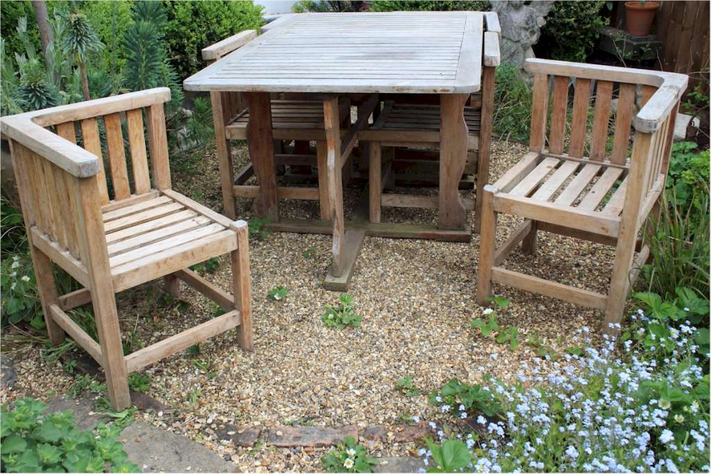 Rare six seater garden set wrap round chairs
