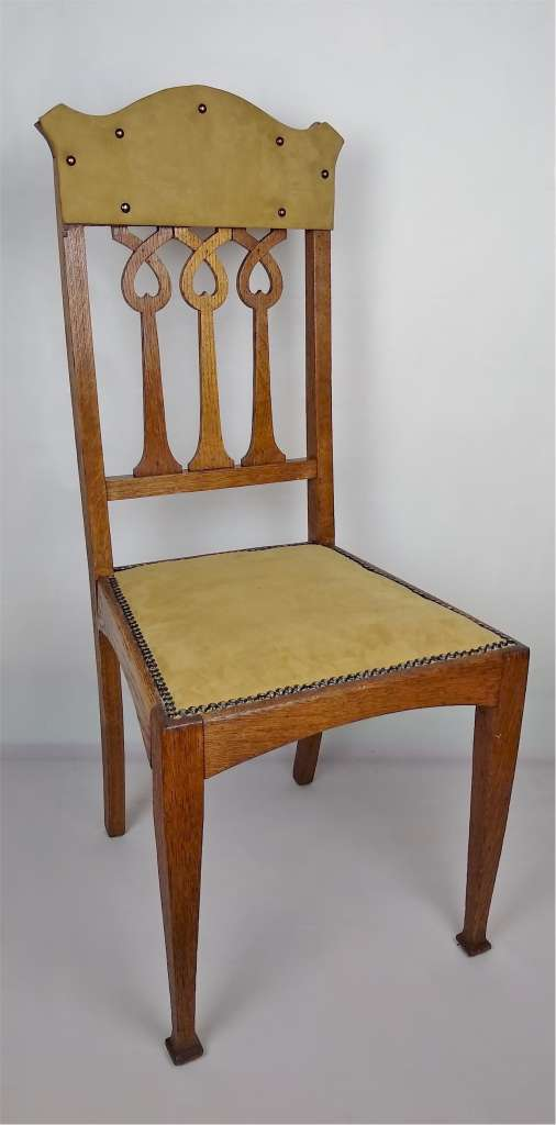 Set of 6 arts and crafts dining chairs in golden oak