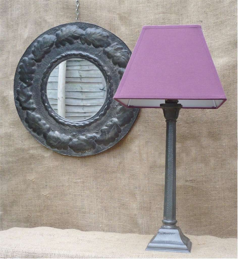 Table lamp in hammered pewter