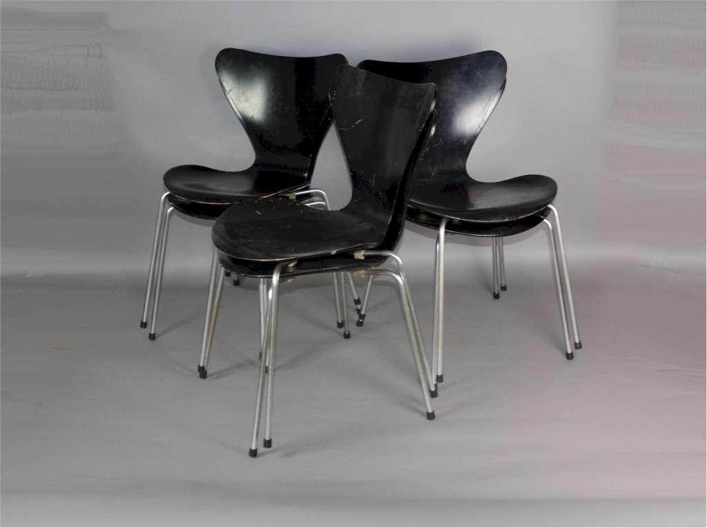 Arne Jacobsen for Fritz Hansen set of six series 7 chairs c1960's