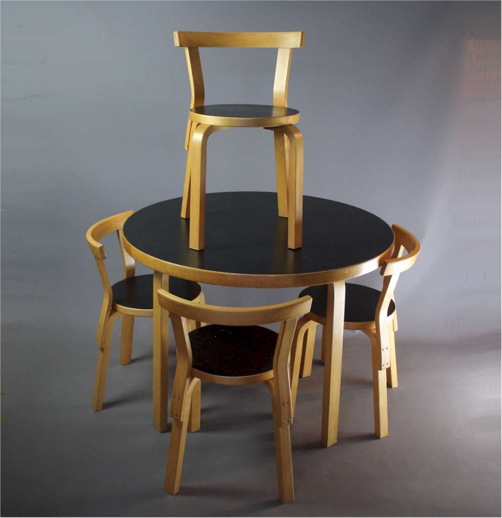 Alvar Aalto dining table and chairs Artek