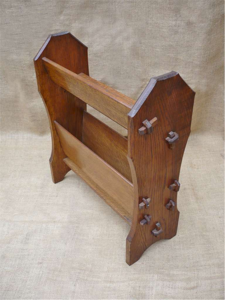 Arts and crafts bookstand/magazine holder