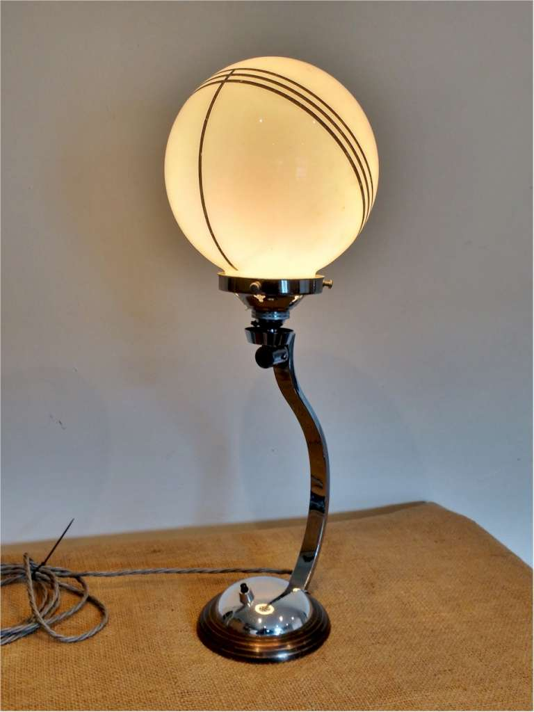 Art Deco table lamp in chrome and pink shade