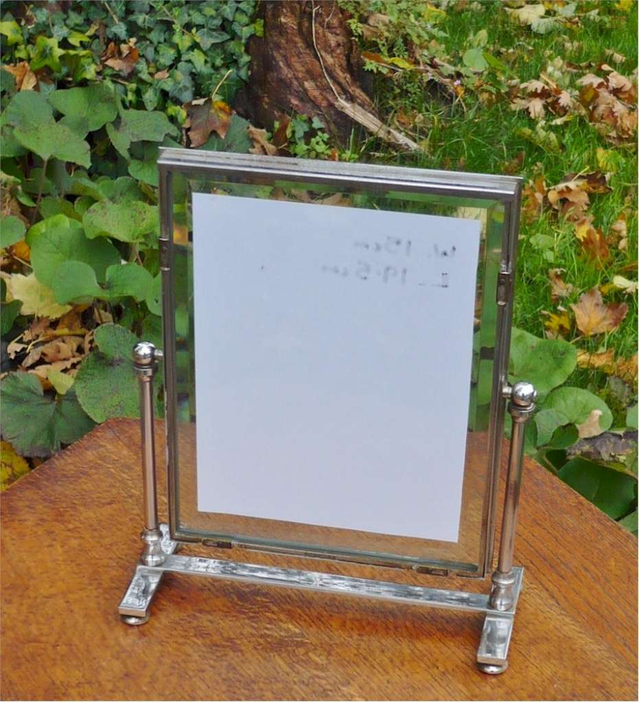 Super quality Art Deco picture frame in chrome