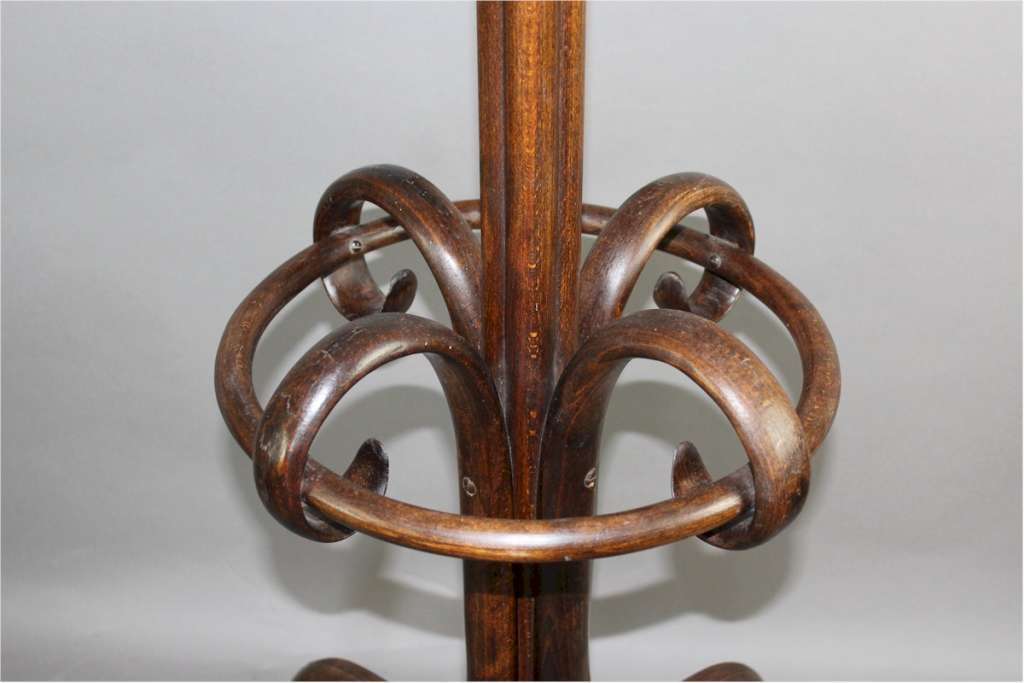 Good bentwood hat-stand possibly by Thonet