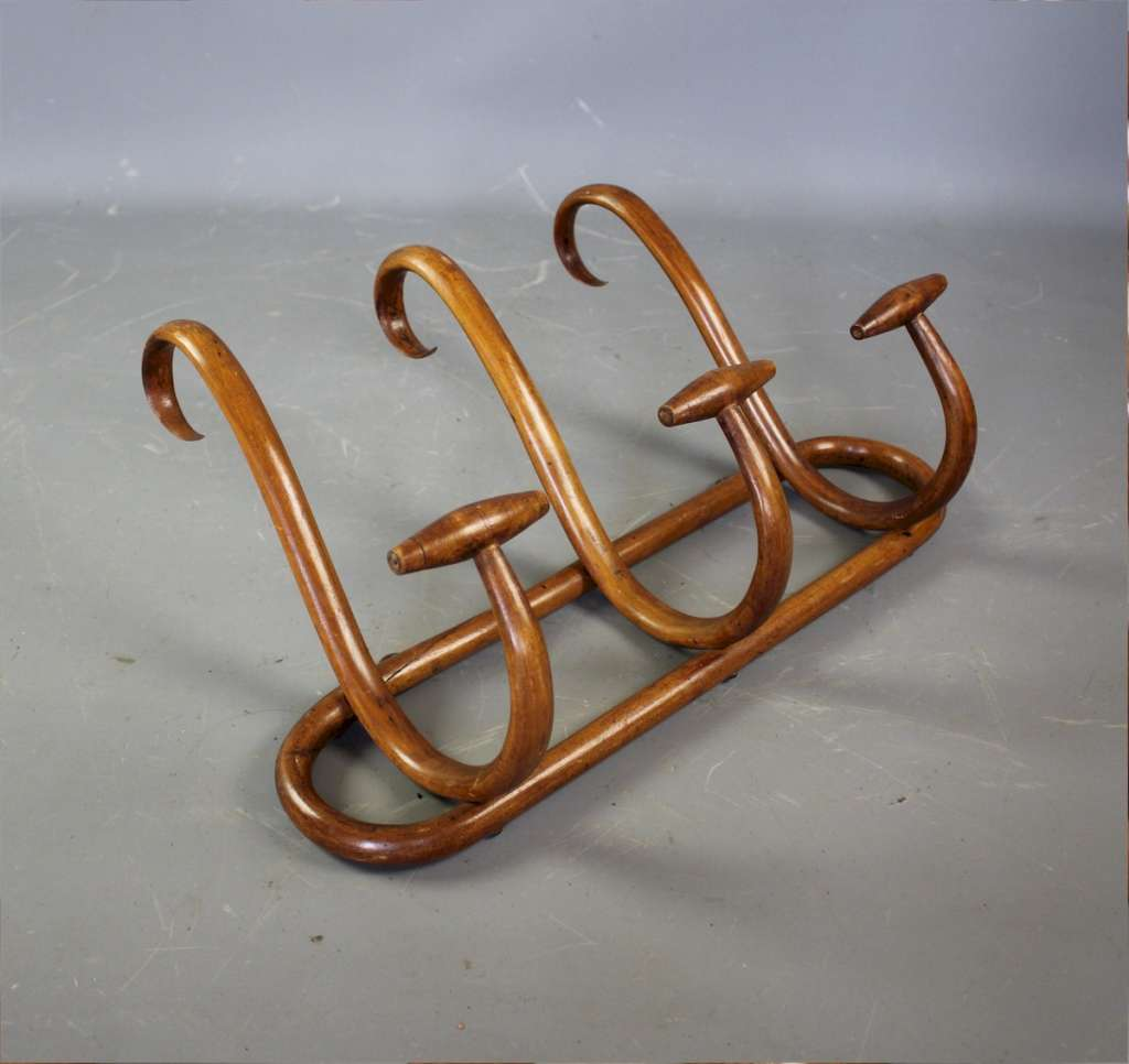 Bentwood three hook hatrack