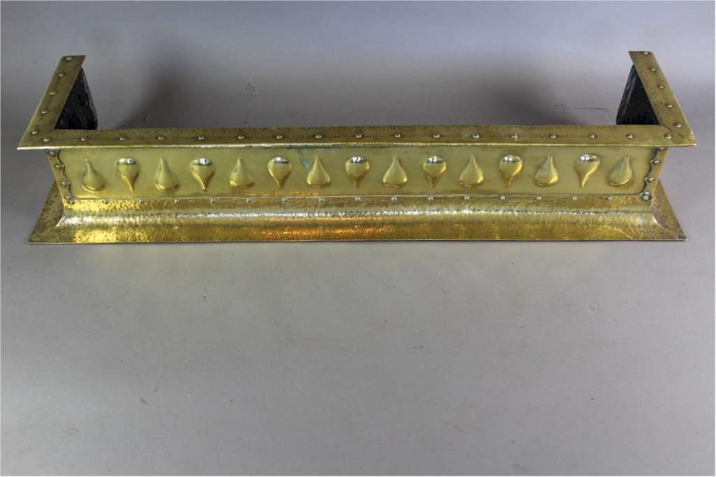 Good quality arts and crafts brass fire fender , circa 1900