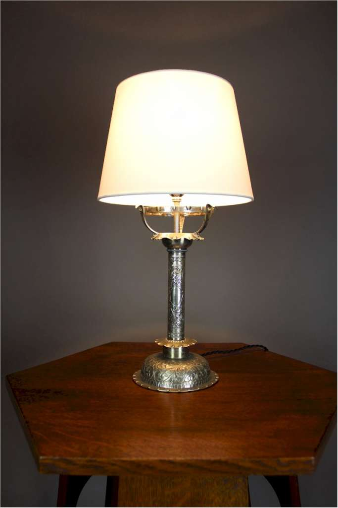 Lovely quality silver plated table lamp with chased decoration