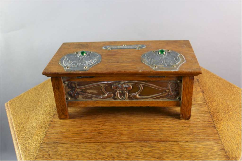 Oak Arts & Crafts Cigarette Box