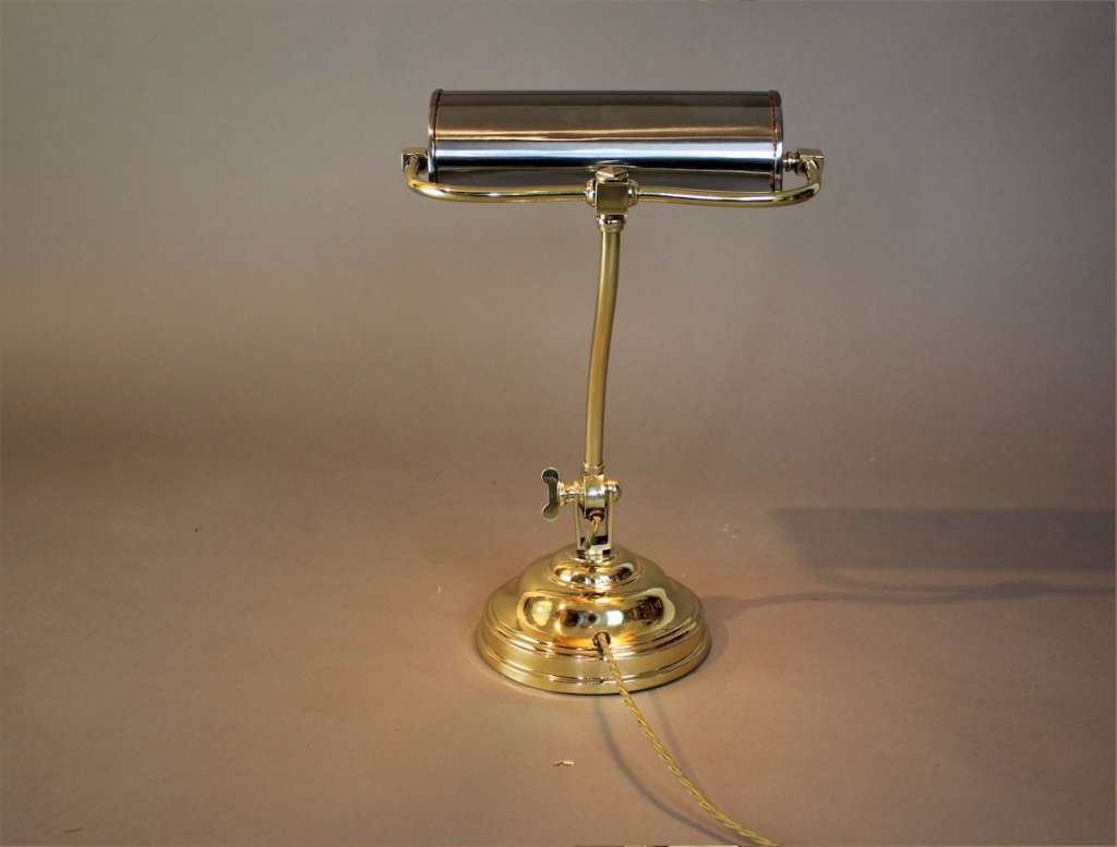 Classic bankers / desk lamp polished brass and steel
