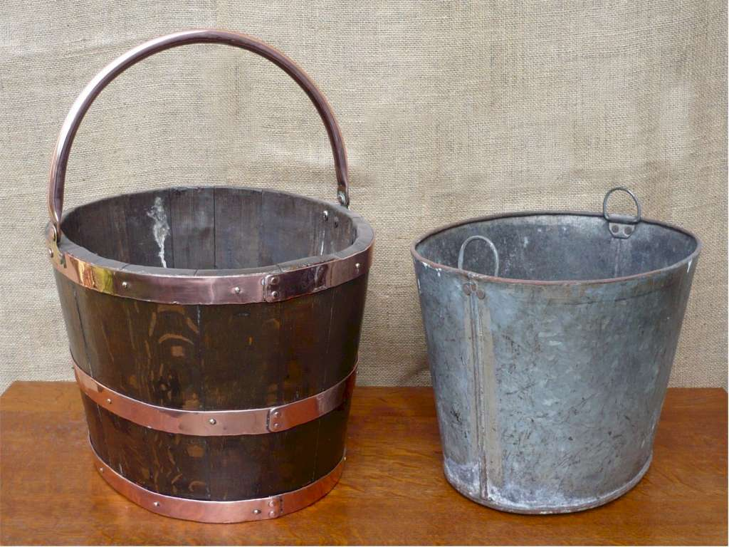 Fireside set coal bucket and companion set