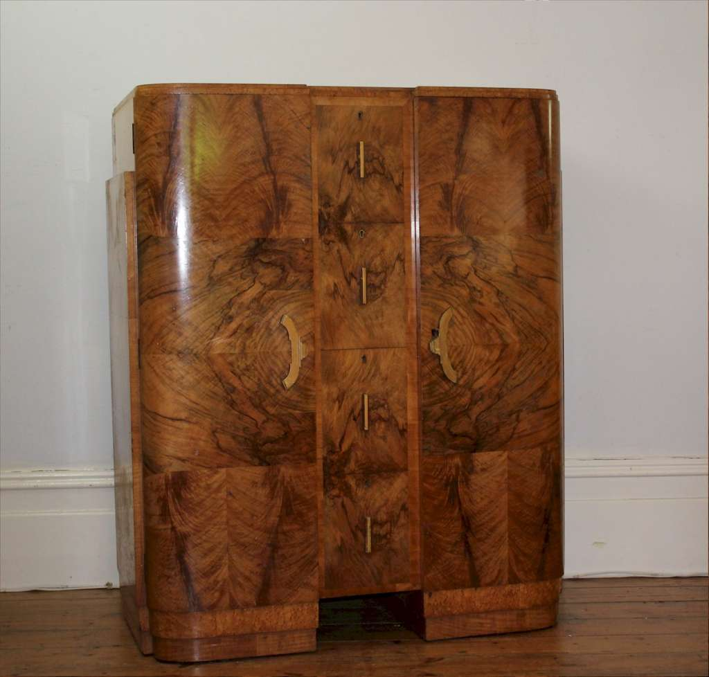 Wonderful art deco bedroom suite in figured burr walnut veneer