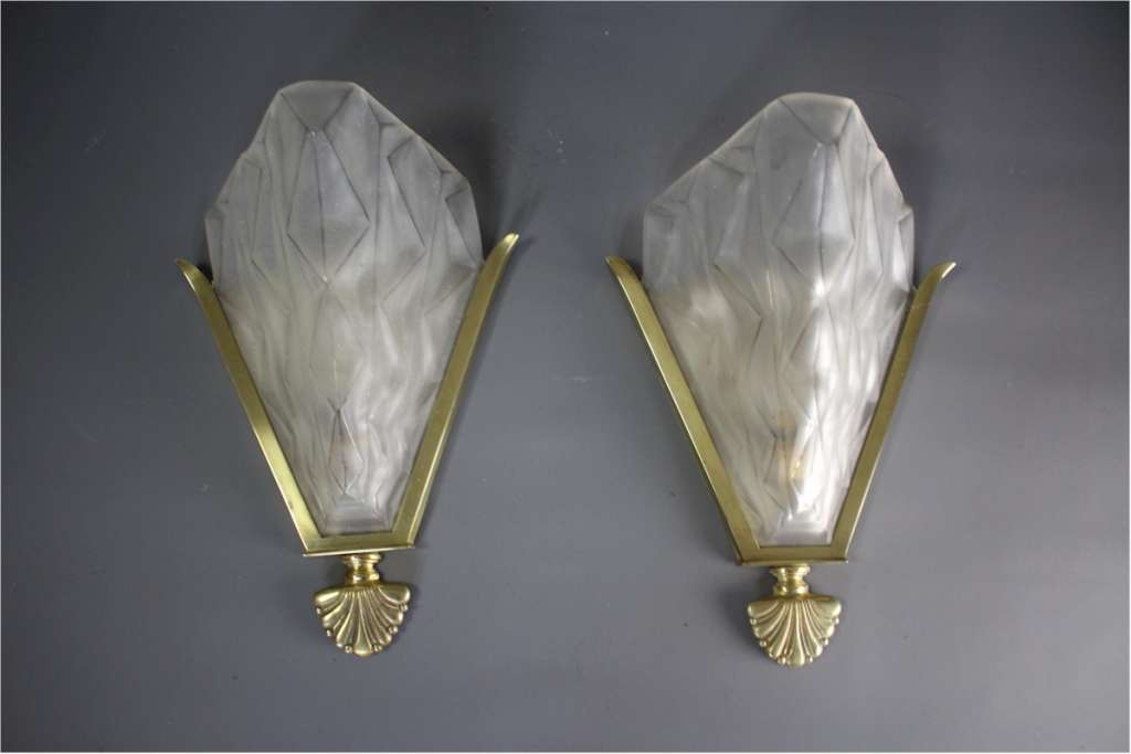 Pair of Art Deco Wall lights by Degue