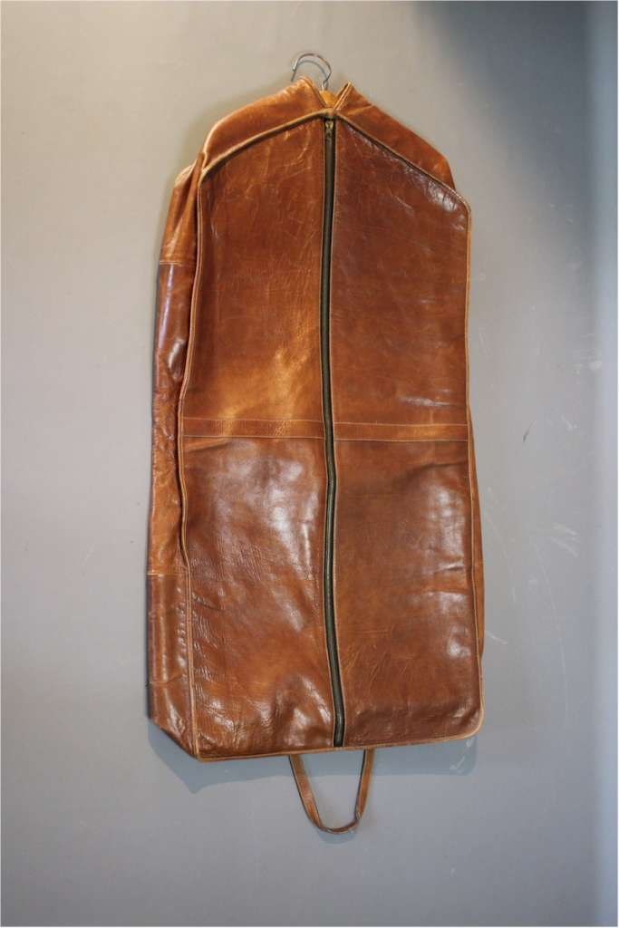 Leather men's travel suit carrier by Etienne Aigner