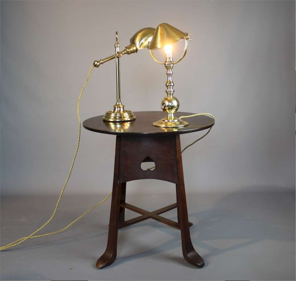 Good Edwardian brass table lamp