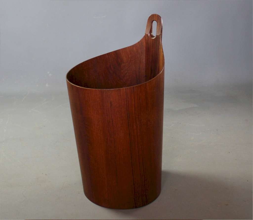 waste paper bin by P S Heggen Norway