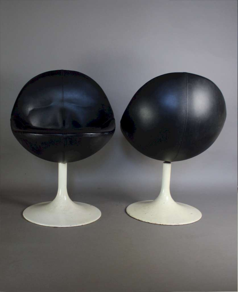 Pair of Swivel Venus Pod Chairs by Borge Johansen c1960's