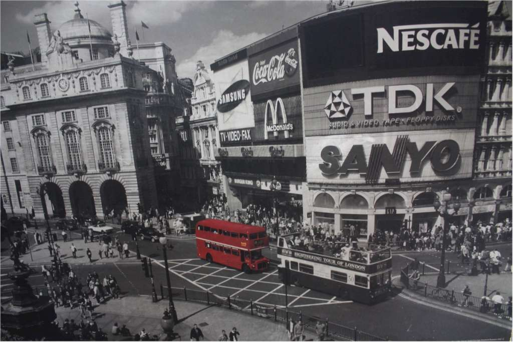 Large photo on card of Piccadilly circus