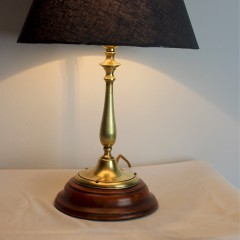 Edwardian brass table lamp on a mahogany base
