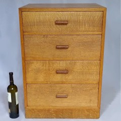 Small Heals chest in oak