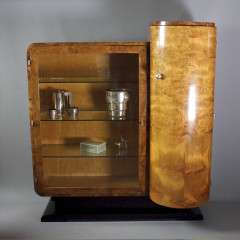 Wonderful art deco display cabinet in burr walnut