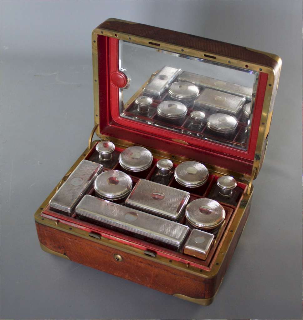 Victorian French travelling vanity box
